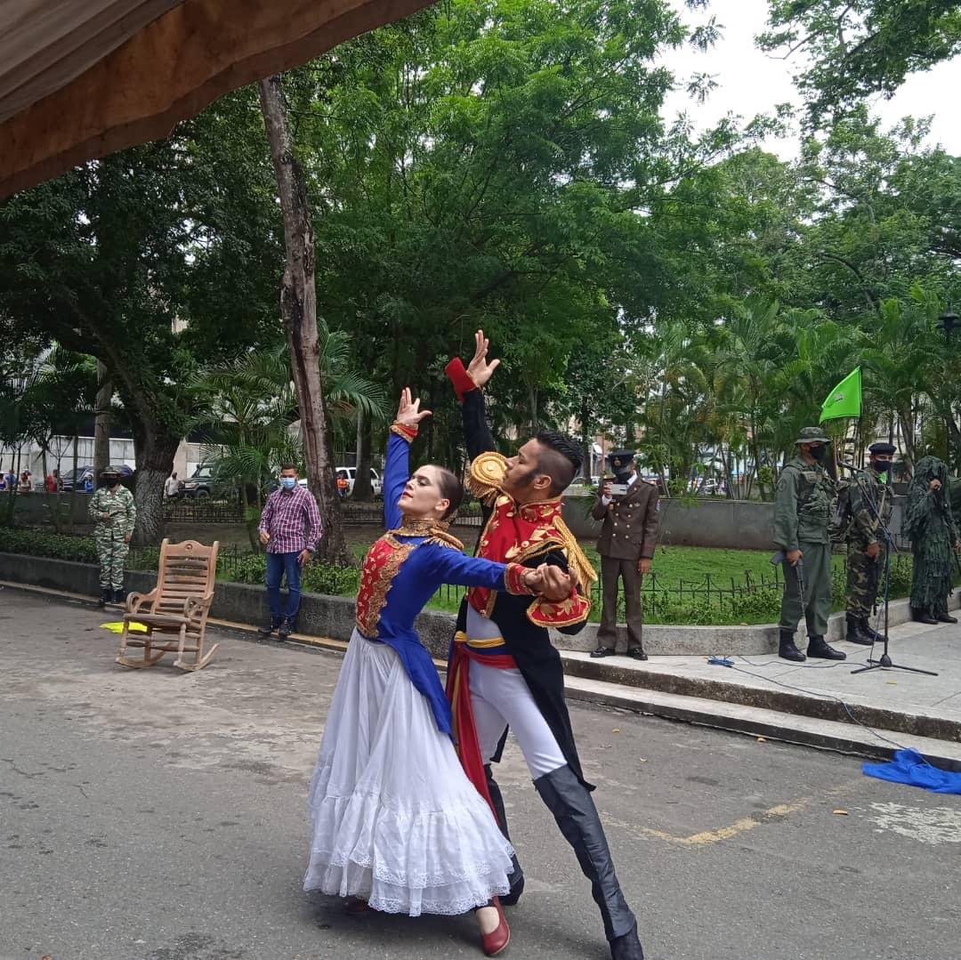 zodi monagas y autoridades civiles conmemoraron el natalicio del libertador simon bolivar laverdaddemonagas.com romer botini