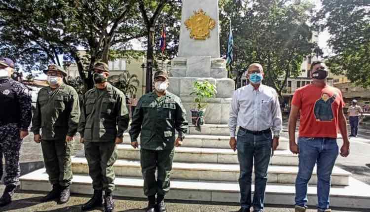 Autoridades civiles y militares conmemoraron día de la bandera