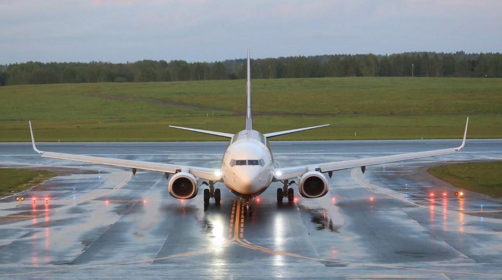EEUU autoriza vuelos hacia Cuba con ayuda humanitaria