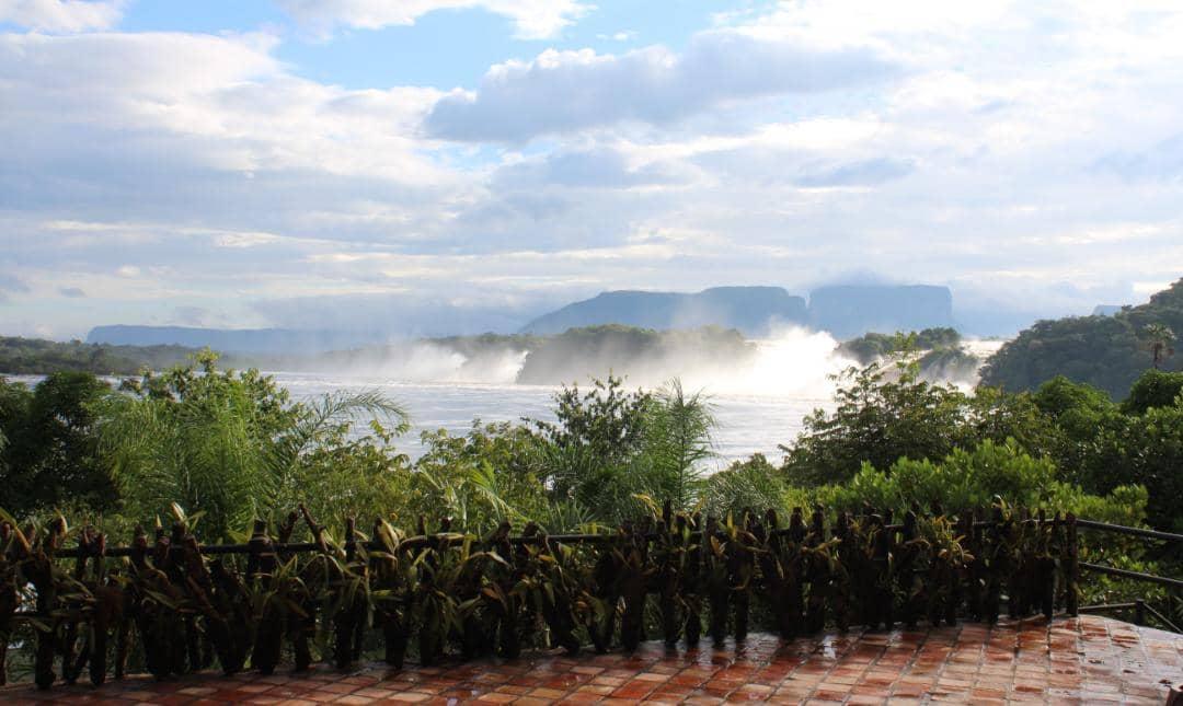 masiva afluencia de turistas nacionales en campamento canaima laverdaddemonagas.com canaima 2 1