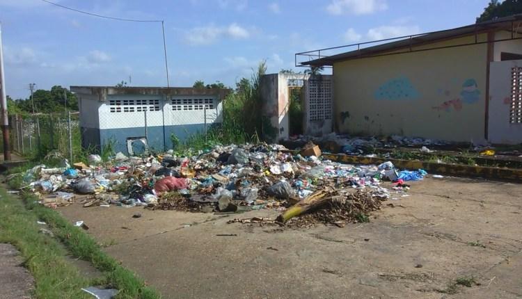 Los habitantes claman por la recolección de los desechos.