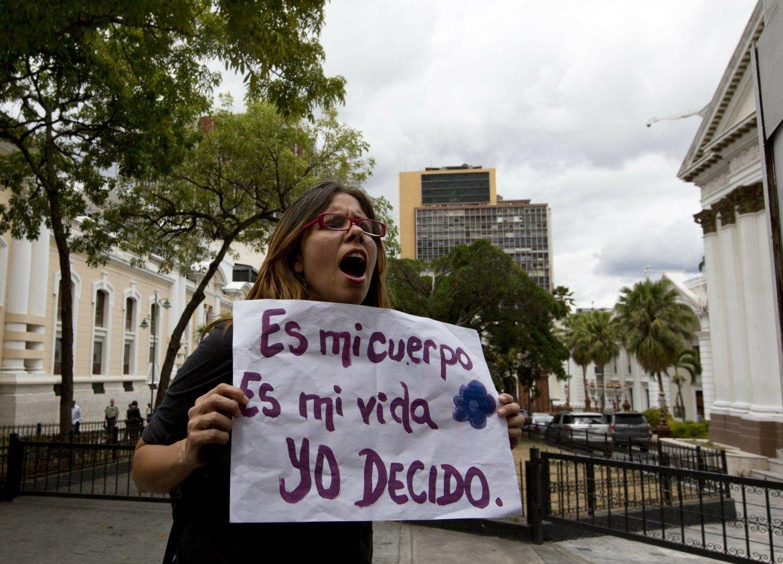 activistas piden legalizacion del aborto ante la sede de la an laverdaddemonagas.com mi cuerpo mi vida 1