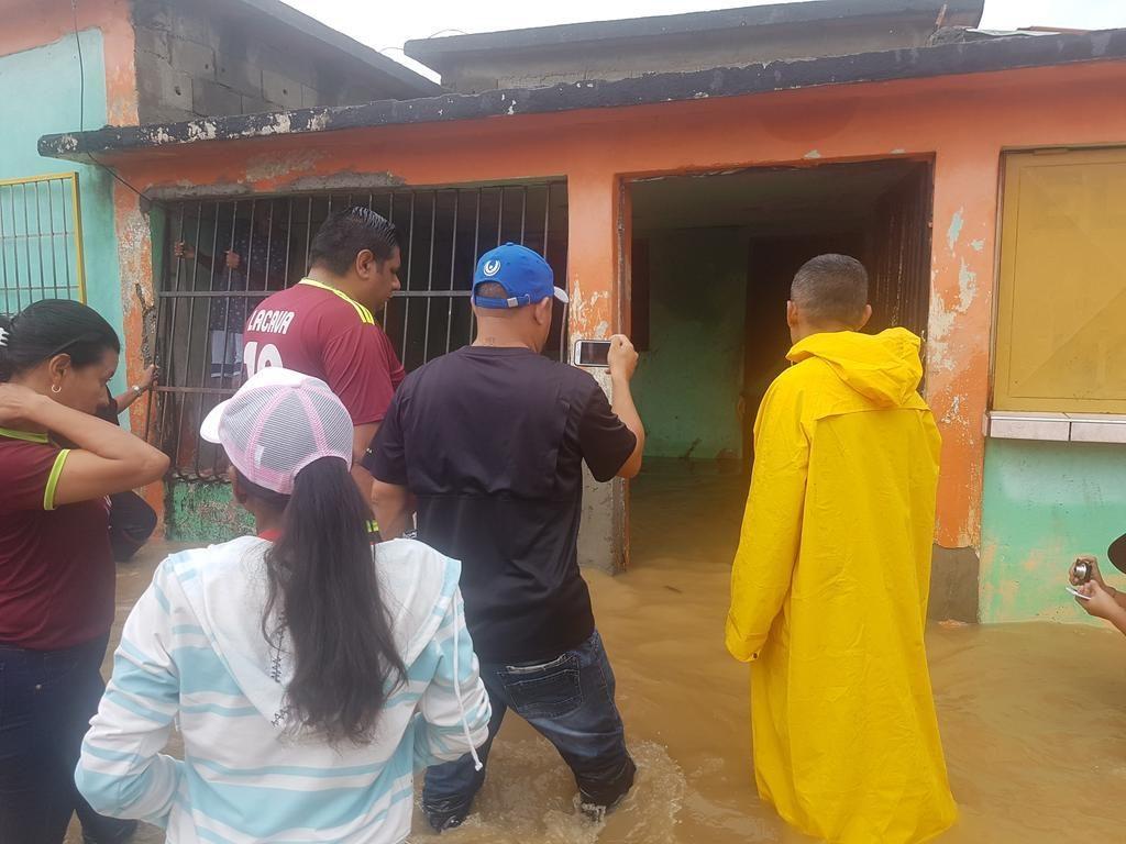 desbordamiento del rio urama del estado carabobo deja diez sectores afectados laverdaddemonagas.com dcrecida