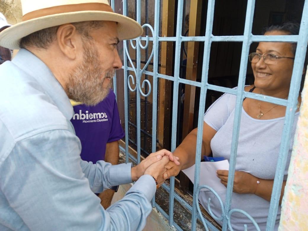 johel orta hizo recorrido casa por casa en sector alberto ravell laverdaddemonagas.com johel2