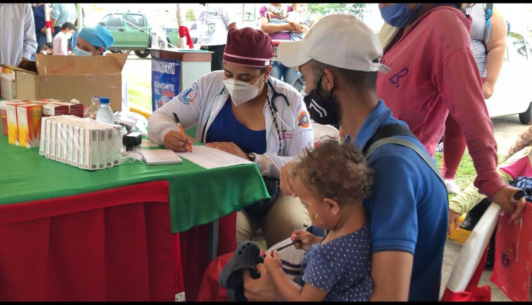 mas de mil 500 personas atendidas en la exitosa jornada de la drs y farmadon laverdaddemonagas.com atencion5
