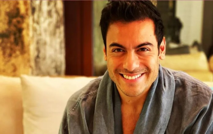 Carlos Rivera presumed his body with red-hot photo on Instagram