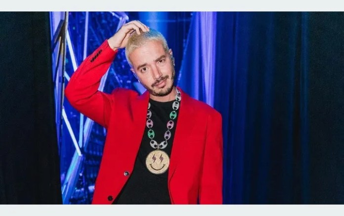 J Balvin showed their INTIMACY in a three-minute video But what boxer!