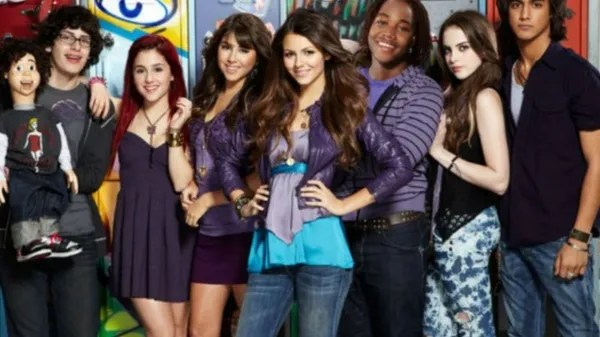 Victorious celebrates 10 years of its release It held the cast of Nickelodeon!