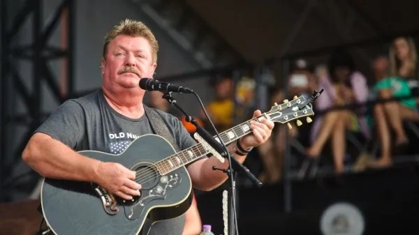 COVID-19: country music Star dies after complications from coronavirus