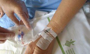60642907-cateter-intravenoso-640x384