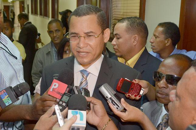 "Olivares considera ""desafortunada"" sentencia Tribunal Superior Electoral"