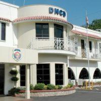 DNCD desvincula a cinco de sus miembros por disparar a vehículo familiar en La Romana