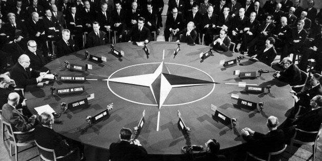 L'economista Chossudovsky: la NATO senza disinformazione sarebbe crollata come un castello di carte