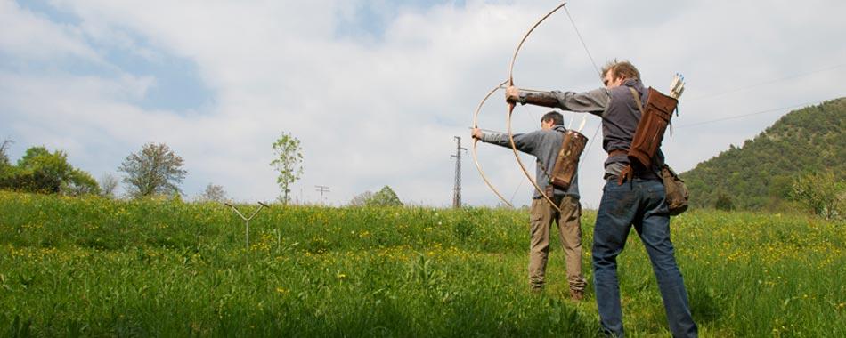 Termine inglese che definisce l'arco lungo medioevale – è un tipo di arco a curvatura unica. Filosofia del longbow Il Longbow è l'arco tradizionale per […]