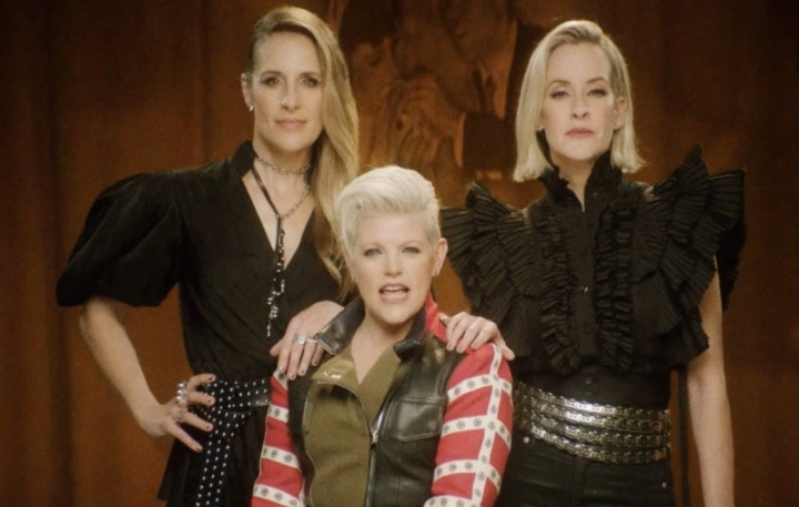 14 Years Later Comeback By Dixie Chicks 'Gaslighter' Lyrics Meaning