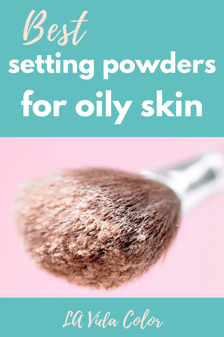 Here are the best setting loose powders for oily skin that will keep your makeup in place! They are all talc-free too (find out why you should buy talc-free face powders in this post). These powders are translucent and have no flashback! #settingpowder #talcfree #coverfx #hourglass