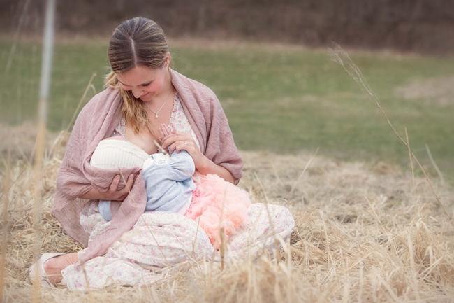 tammy-nicole-photography-newborn-baby-maternity-breastfeeding-english-espanol-munich-family278.jpg