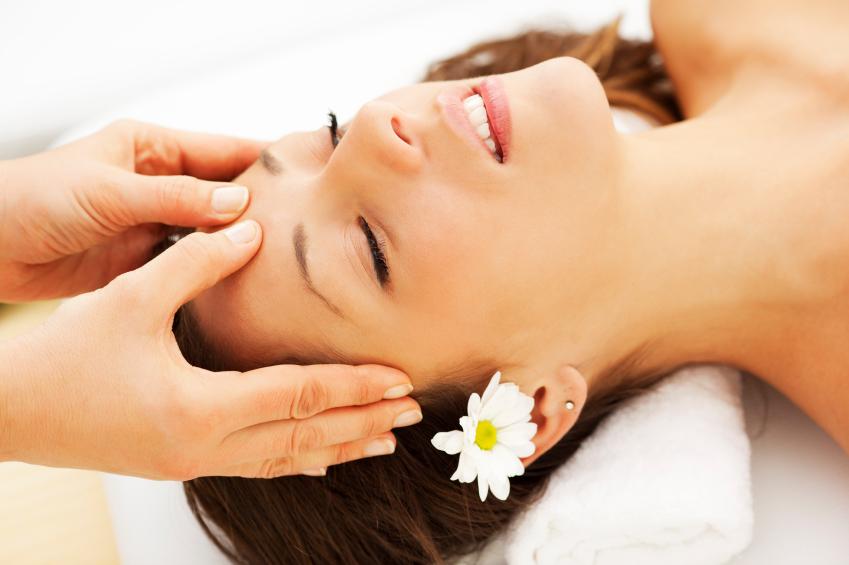 Kết quả hình ảnh cho massage đầu