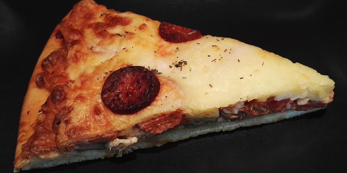 J'ai testé pour vous : la part de pizza au chorizo – boulangerie les délices de la gare