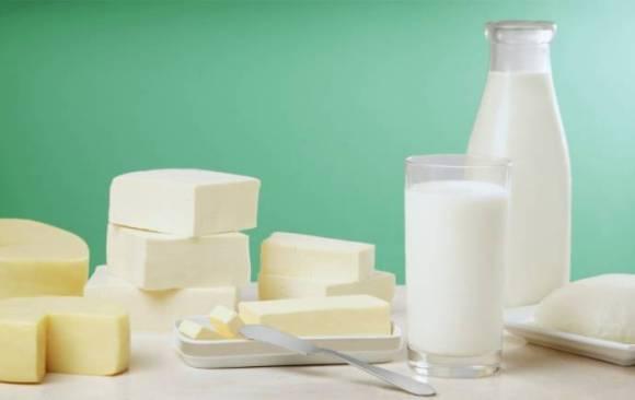 منتجات الألبان وبدائلها.. ما هي فوائدها الصحية؟