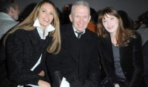 27919201_carla-bruni-alla-sfilata-di-in-total-black-60
