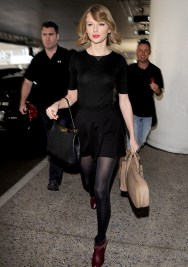 Gold-Garage-Tylor-Swift-capelli-caschetto-2014-bob-new-hair-trend