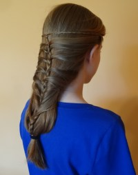How to do the Messy Mermaid Braid