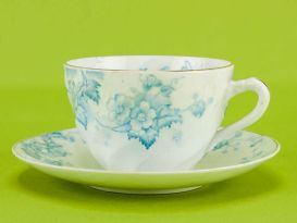 blue and white teacup