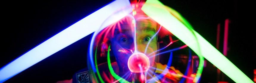 """Die Chemie- und Physikshows von Andreas """"Magic-Andy"""" Kornmüller, hier in Osnabrück am 17.03.2013  D3S_4457   Foto: Volker Lannert"""