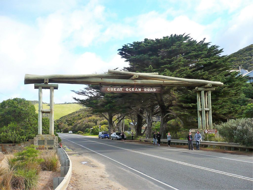 Great Ocean Road Memorial Arch, Australia