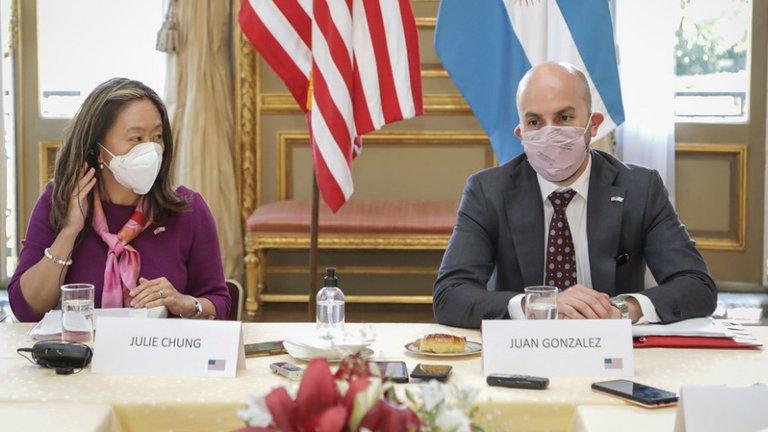 EEUU criticó «mercantilismo de las vacunas» de China y Rusia