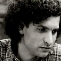 El cantante Carlos Cano, en una Bahía con pelotas | Juan José Téllez