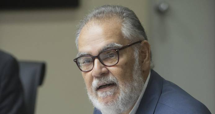 Video entrevista Miguel Ceara Hatton.   Dice endeudamiento de RD está cada vez más acelerado