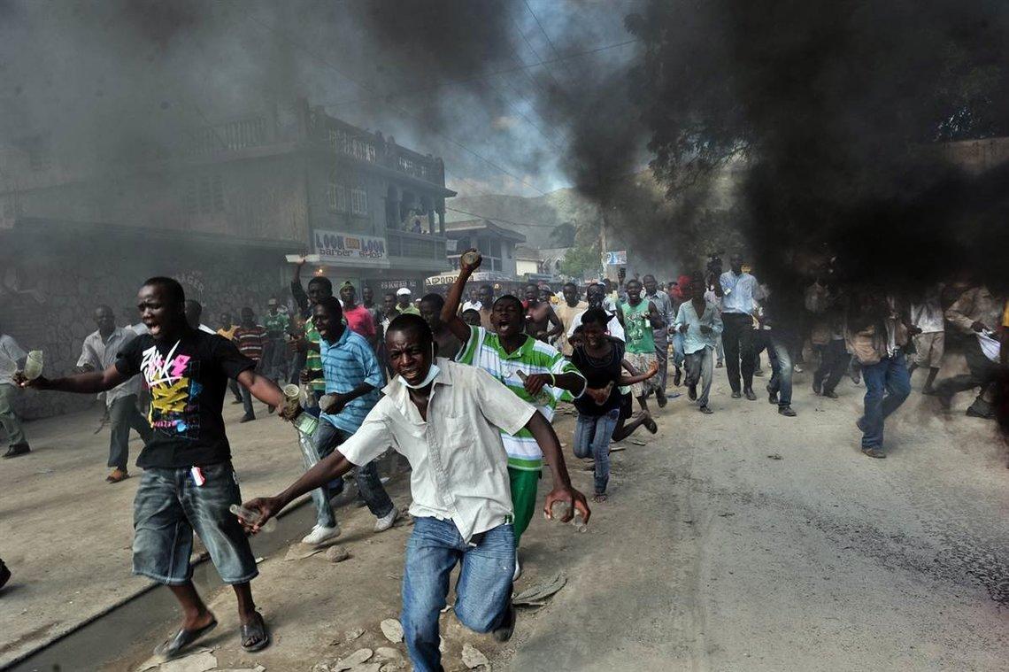Crisis Haiti: Hijo mayor del presidente haitiano cruzó la frontera con destino a Santo Domingo