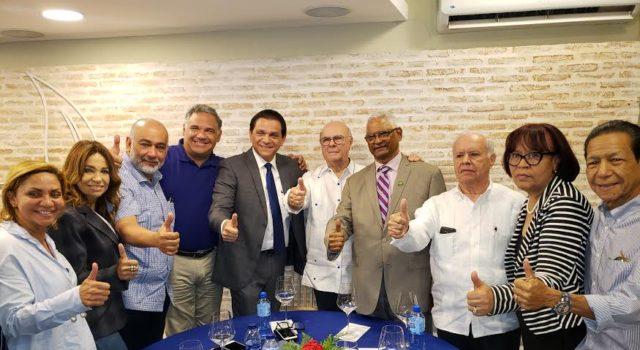 Hipólito Mejía presenta a Daniel Rivera como precandidato a la senaduría de Santiago
