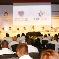 Escogen a @kelvinalcalde como nuevo presidente de FEDOMU y @VictorDazaT, secretario general de la LMD.