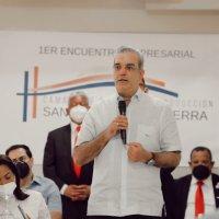 @LuisAbinader en encuentro y acciones de apoyo desarrollo Municipio San Antonio Guerra