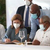 @raquelpenavice @ViceRDo se compromete canalizar construcción acueducto Higüey-Bávaro