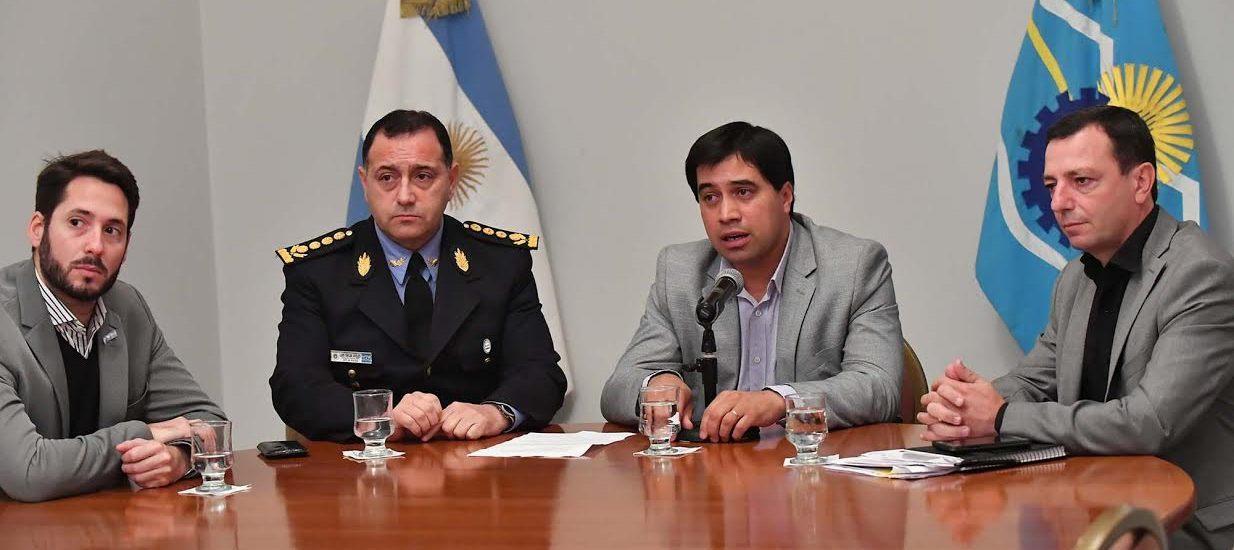 Durán confirmó que separaron de la fuerza a los policías involucrados en una agresión en Puerto Madryn
