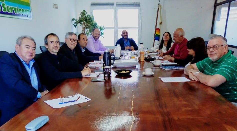 EL CONSEJO DE ADMINISTRACIÓN DE SERVICOOP EN LA SEDE DE LA ASOCIACIÓN VECINAL BARRIO FONTANA
