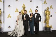 Felicity Jones y Chris Pratt junto a Adam Stockhausen y Anna Pinnock
