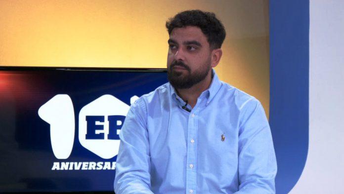 Ángel Domínguez seguirá en el banquillo del Mairena