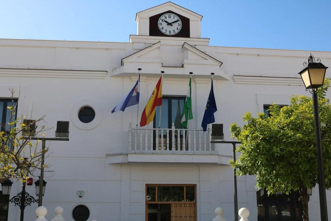 El Ayuntamiento da a conocer los perfiles de los 30 puestos de trabajo que creará con el Plan Aire de la Junta