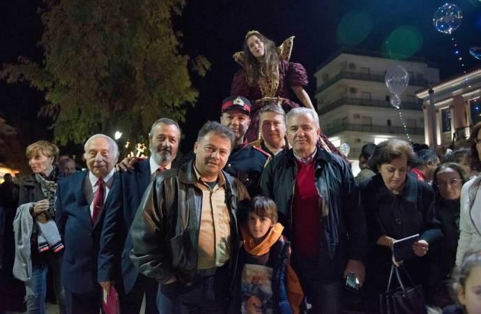 ΧΡΙΣΤΟΥΓΕΝΝΙΑΤΙΚΟ ΔΕΝΤΡΟ 2017