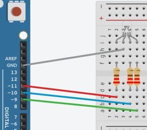 Tinkercad - как работать с RGB-светодиодом - установка портов