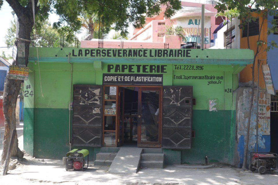 Just because I like the name of this librairie, in the Cul-de-Sac area near Port-au-Prince.  © Malick W. Ghachem, 2016.
