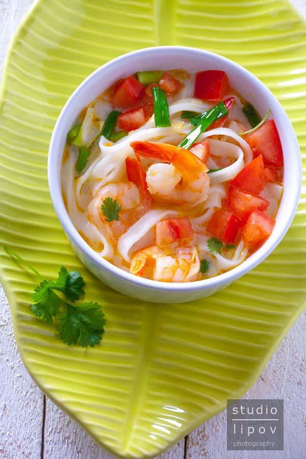 Tajska. Zupa z krewetkami.