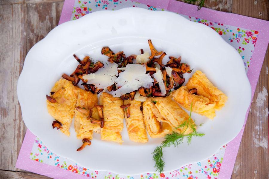 Klasyczny omlet z kurkami