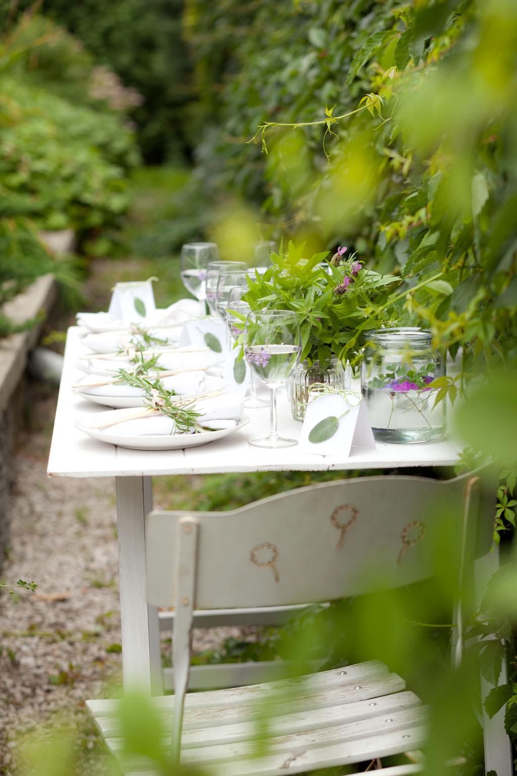 Zielnik na stole, czyli magiczne przyjęcie w romantycznym stylu. Konkurs Almette – Toskania czeka!