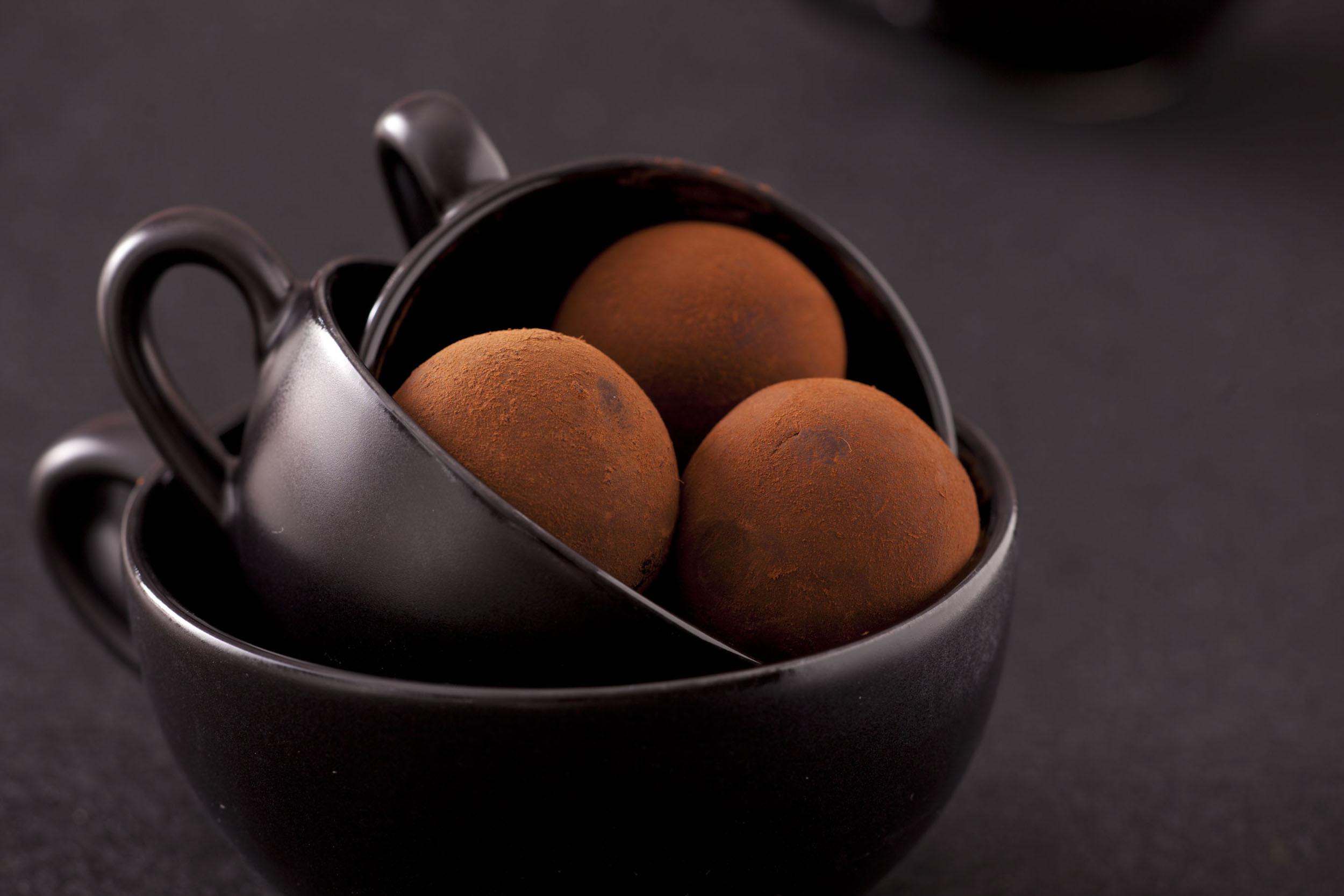 Trufle kawowo-czekoladowe. Jadalny prezent
